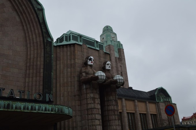ヘルシンキ中央駅:ヘルシンキ観光(バルト三国②)