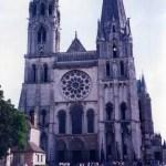 中世ゴシック建築の傑作「シャルトル大聖堂」を見る(世界遺産)【フランス・シャルトル】