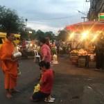 朝の托鉢でタンブン in チェンマイ!そして、エアアジアでバンコクへ★【タイ・チェンマイ⑨】
