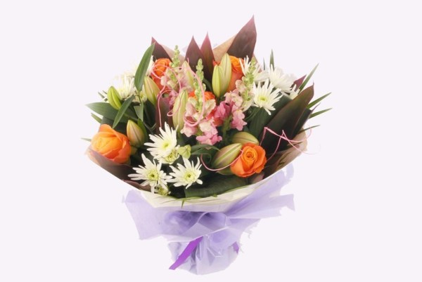 €39 instead of €59 for a Mother's Day fresh flower bouquet with a personalised message from Mad Flowers - save 34%