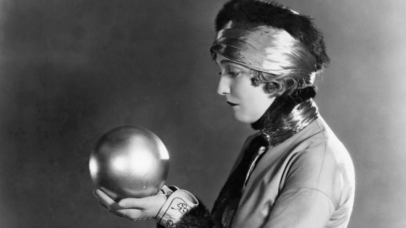 crystal-ball-woman-ss-1920
