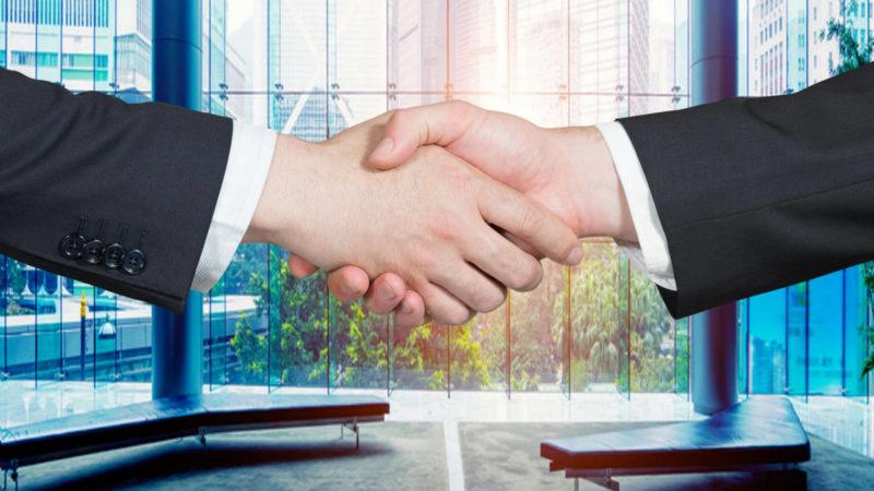 handshake-partnership-ss-1920