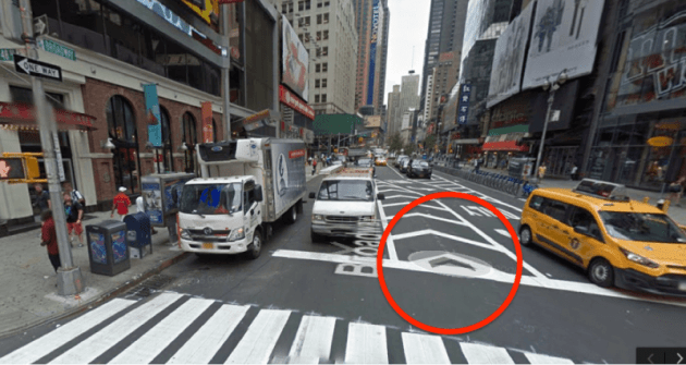 Google Maps brings faster  smoother scrolling to Street View     Google Street View arrows