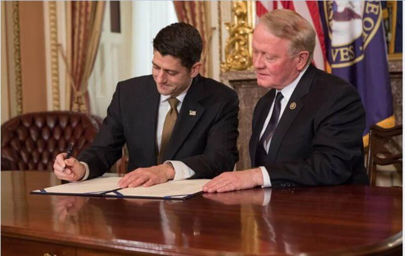 Speaker Ryan And Leonard Lance Sign Consumer Review Fairness Act