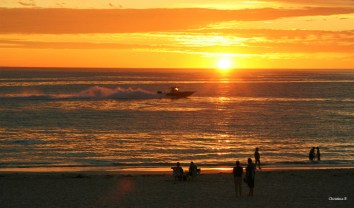 Sunset on a warm summer's eve at Sorrento beach north of Perth