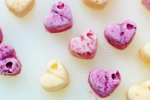 Frozen yoghurt hearts