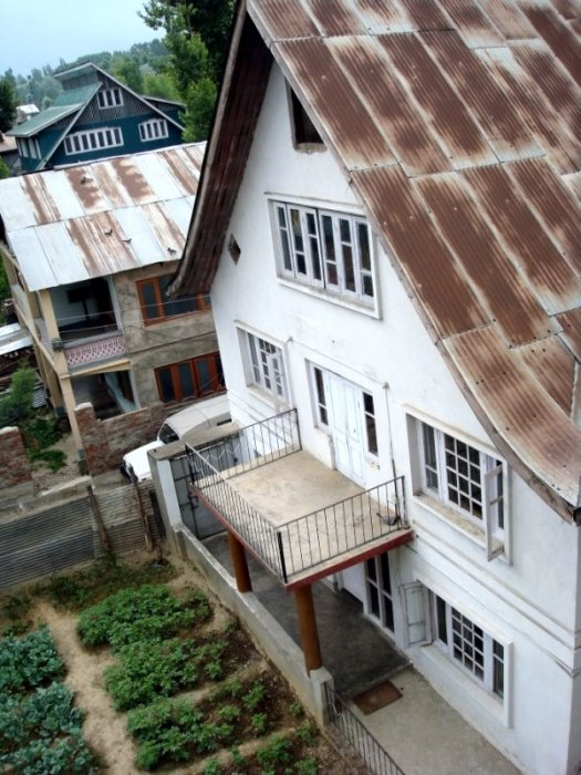House Roof And Kitchen Garden Searchkashmir
