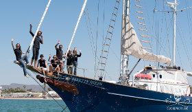 editorial-150605-1-150516_Crew_Martin_sheen_bow_waving_P1110625-280w