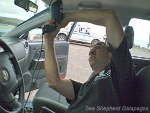Equipping the police cars with new antennas and radios