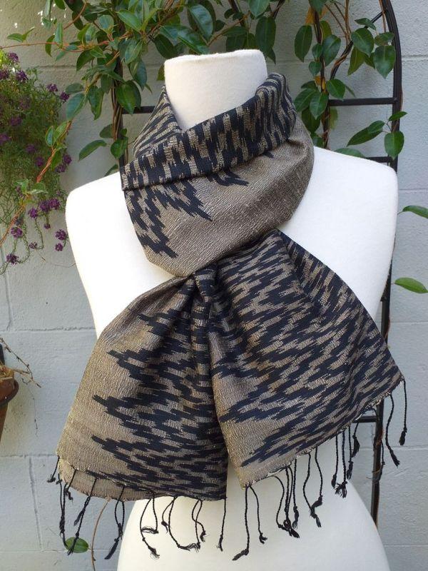 NMD514D SEAsTra Fair Trade Silk Scarf