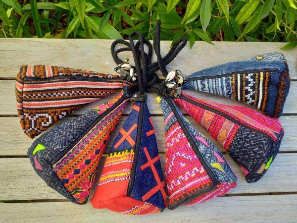 RTK074a Hand Stitch Triangle Accessory Bag