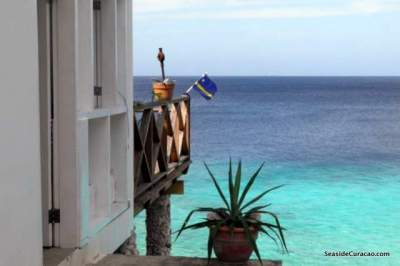 cas-abou-seaside-spectacular-villa-rental-003