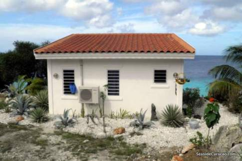 cas-abou-seaside-spectacular-villa-rental-009