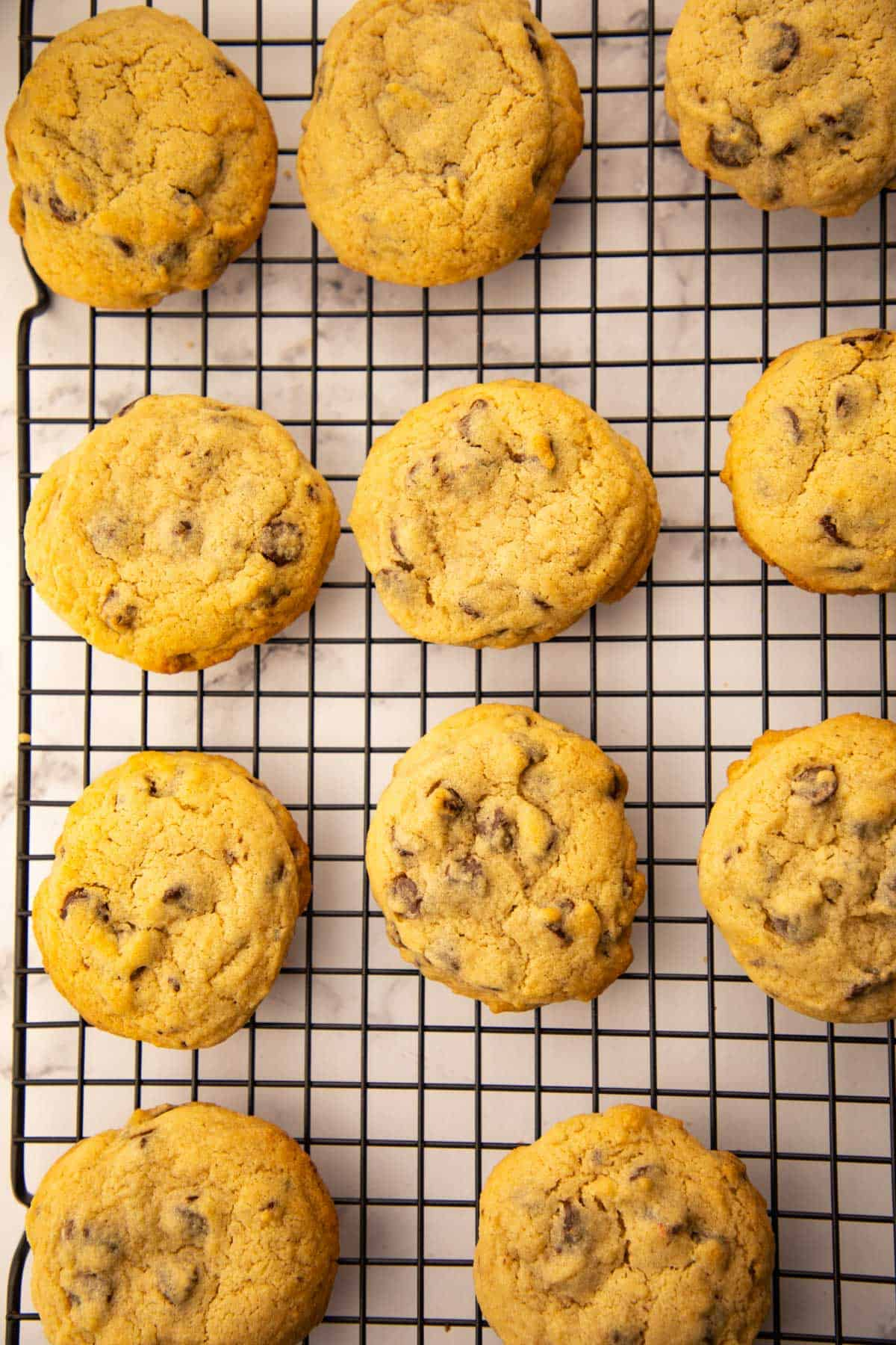 Chewy chocolate chip cookies perfect for snacks or as a dessert. Slightly brown edges with lots of melted chocolate inside. via @seasiderecipes