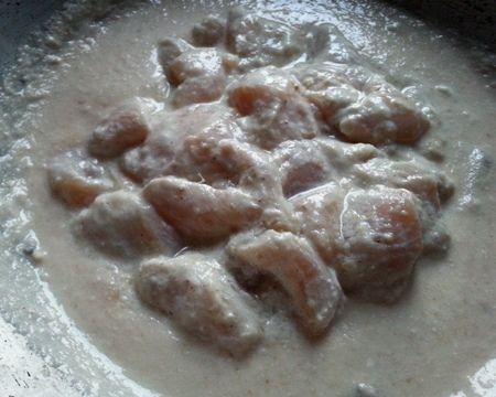 Marinated chicken pieces for chicken white gravy recipe