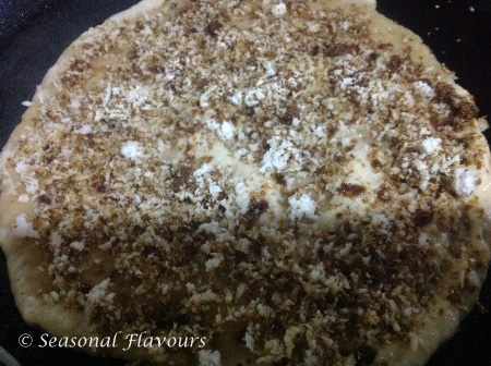 Layer the wheat ada with the coconut and jaggery filling for ada recipe