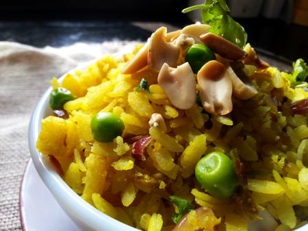 Maharashtrian Kanda Batata Pohe Recipe