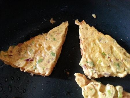 Toast bread in frying pan for besan bread toast recipe
