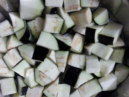 Brinjal cubes for vankaya fry recipe