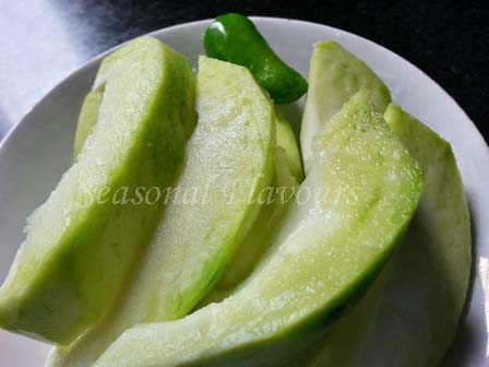 Mango Slices for Aam Dal Recipe