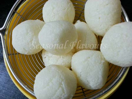 Rosogollas for Bengali payesh recipe