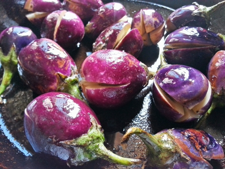 roast aubergines for brinjal curry recipe