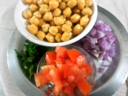 ingredients for chickpea tomato salad recipe