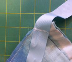 Sewing: How I mended a duvet cover and added ribbons so the duvet wouldn't slip