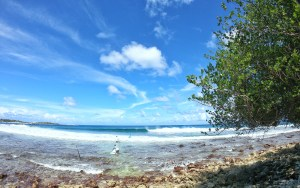 First swell of season in Thulusdhoo, Maldives