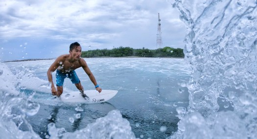 Season Surfing 011