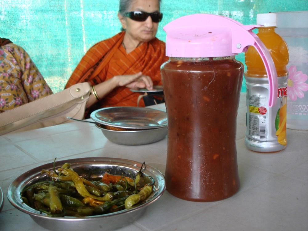 First Stop - Shri Ram Best Vada at Shirwal (4/5)
