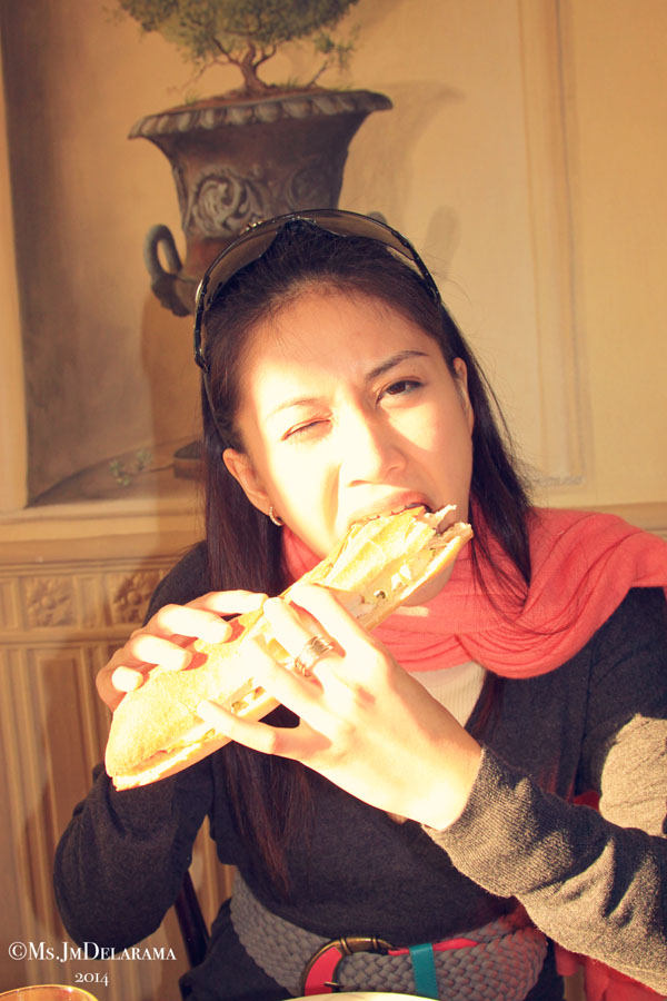 The baguette was too big and crispy! I thought I'm going to loose my two front teeth. Haha! Nonetheless, it was so good that I didn't bother to get messy that morning.