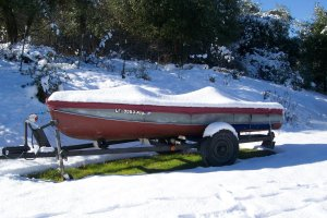 boat-cover-in-snow-2