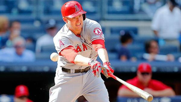New acquisition for Seattle, Mark Trumbo in mid-season form. Now just imagine him wearing a Mariners uniform.