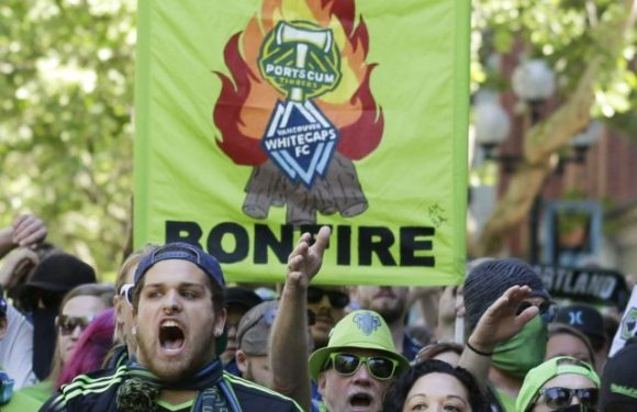 US Open Cup sees bitter rivals clash as Sounders down Timbers 2-1.
