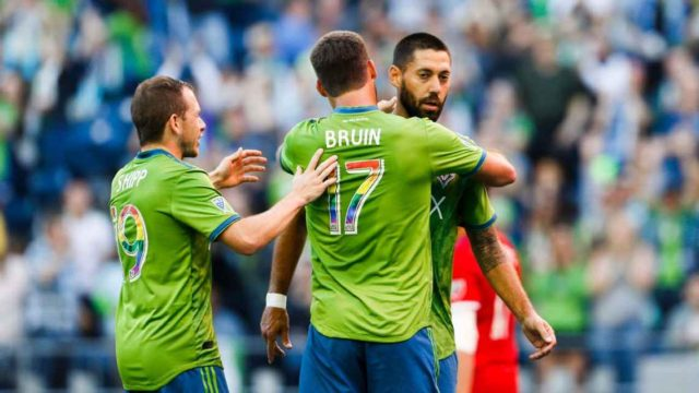 Clint Dempsey ties Seattle's record for goals as Sounders tie Fire