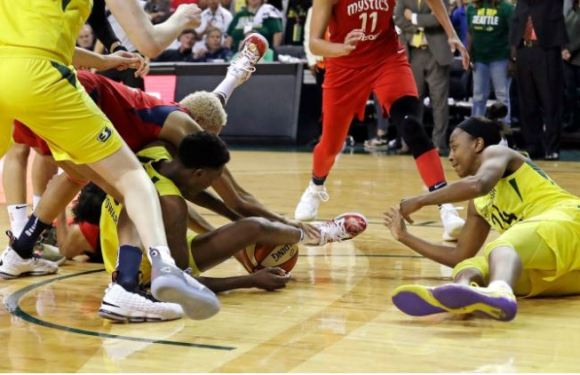 Storm take game 2 of the WNBA finals, down Mystics 75-73