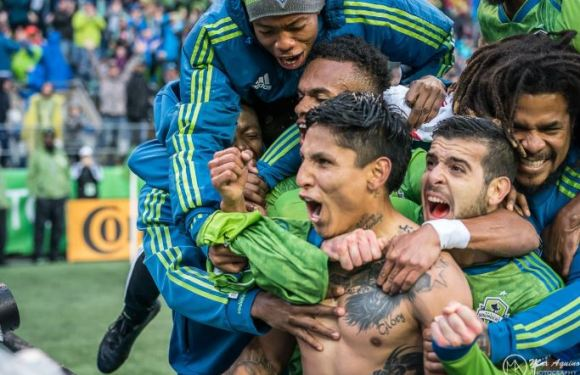 Sounders secure #2 seed with a 2-1 win over Quakes