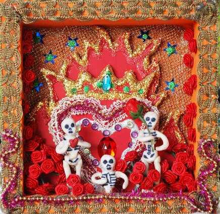 emclaughlin_Jewelled heart muertos