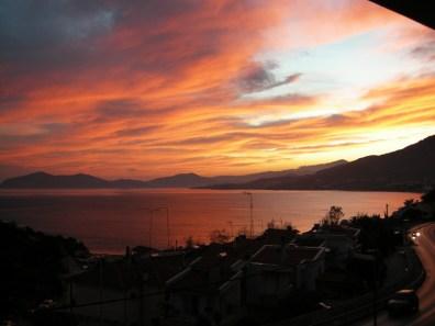 Вид на закат с виллы Feel the Sea