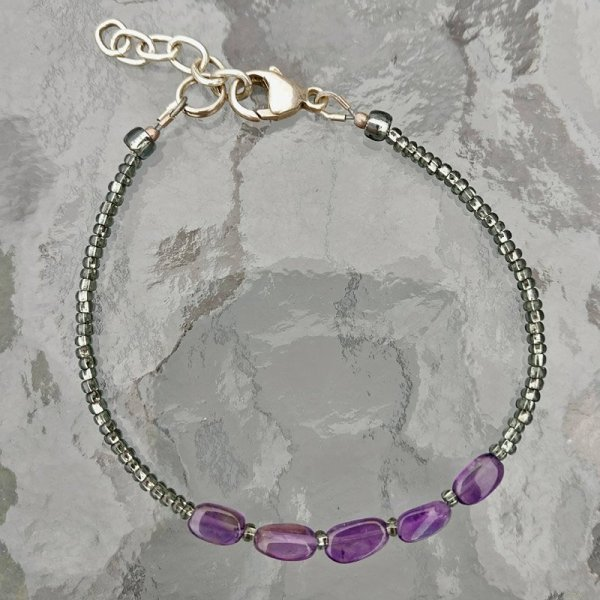 delicate amethyst and seed bead bracelet