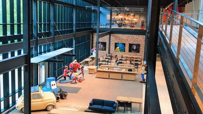 Hall d'accueil chez Pixar avec Cars - Pixar