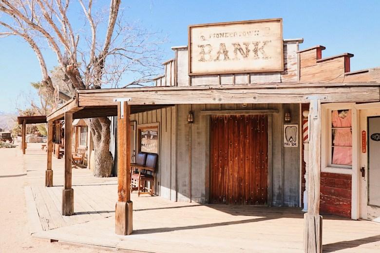 pioneertown banque