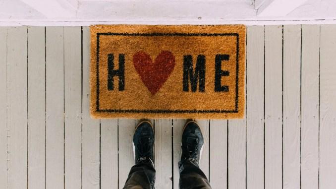 - black home area rug