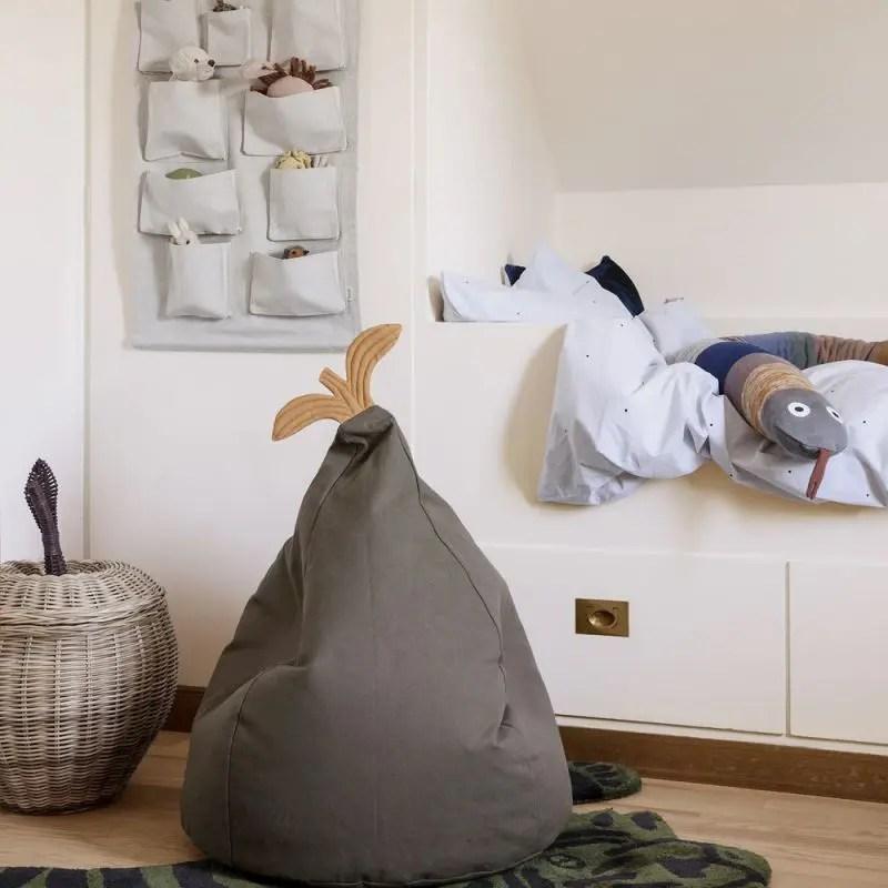 décoration chambre d'enfant: pouf poire