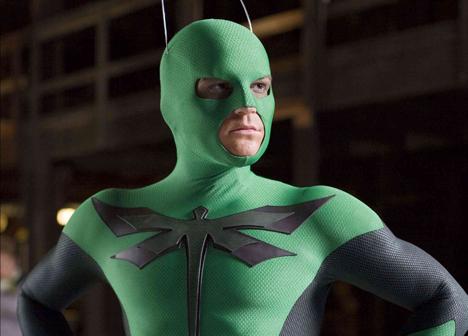 Cómo llegar a superhéroe con pocas luces y peor traje
