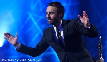 Louis-José Houde sur la scène de la 38e édition du gala de l'ADISQ présenté à la salle Wilfrid-Pelletier de la Place des Arts à Montréal, ce dimanche soir 30 octobre 2016. SÉBASTIEN ST-JEAN/AGENCE QMI