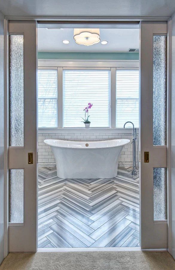 Relax In Your New Tub 35 Freestanding Bath Tub Ideas Home Remodeling Contractors Sebring