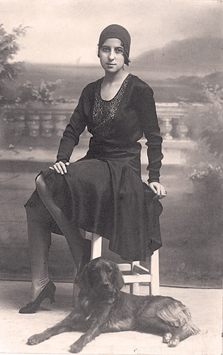 Milena Pavlović Barili Milena-i-njen-pas-Bek