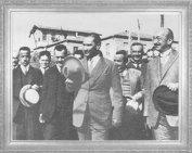 Şapka ve Kıyafet Devrimi Konuşmalarını Yaptığı Kastamonu Seyahati Dönüşü Çubuk'ta Karşılayanlarla...